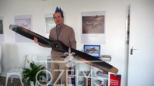 Mathieu Beylard, responsable du planétarium du musée de l'Air et de l'Espace, a davantage l'habitude des modes de propulsion spatiaux. Mais il a su retrouver les 10 hélices à la vitesse de la lumière, il est notre grand gagnant ! © Ozely
