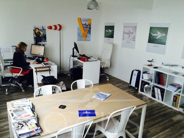 L'open space : le domaine d'Aude, de nos collaborateurs ponctuels et espace à tout faire, réunions, déjeuners, PC sur certains événements…
