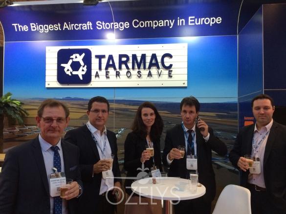 L'équipe commerciale de Tarmac Aerosave, autour de Philippe Fournadet, président et Pascale Nizet, Ozelys.